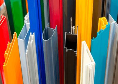 Perfiles de aluminio de diversos colores